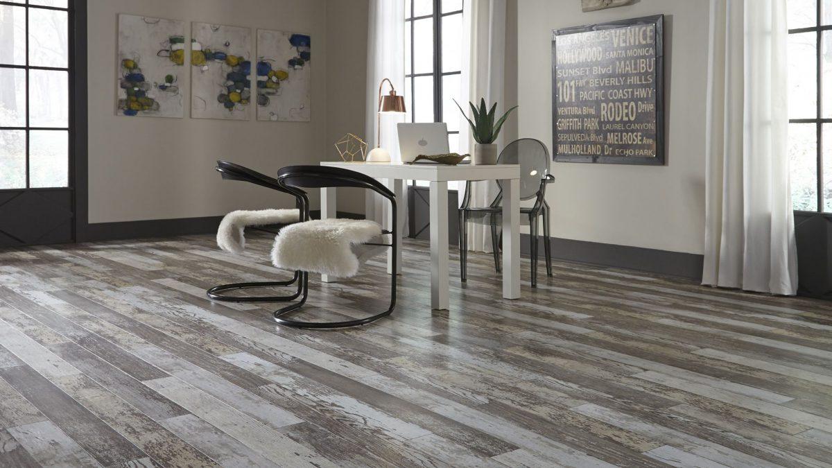 Liquidation flooring in Arleta
