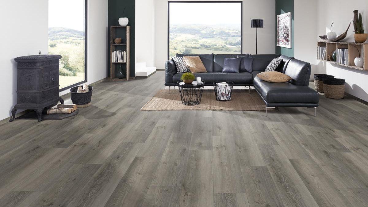Liquidation flooring in Valley Glen